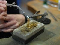Armband aus Gold in eigener Herstellung